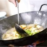 家庭で調理する場合でもアクリルアミドが生成されます。