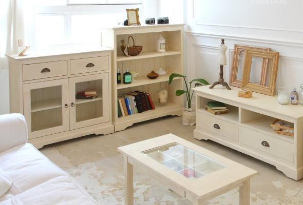 女の子の部屋は木製家具がベスト